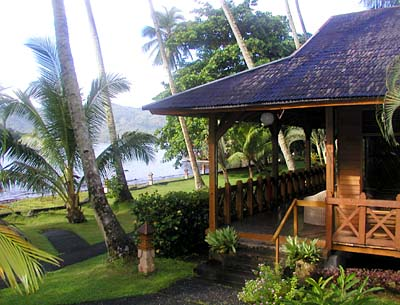 Kungkungan Bay Resort - Copyright Ken Knezick, Island Dreams