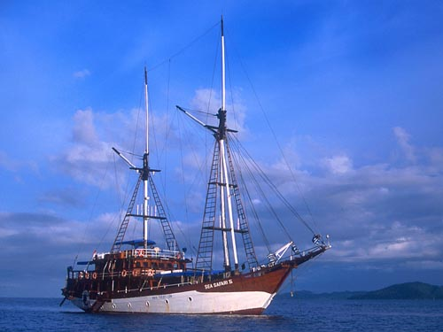 Sailing a Tall Ship - Kararu Dive Voyages