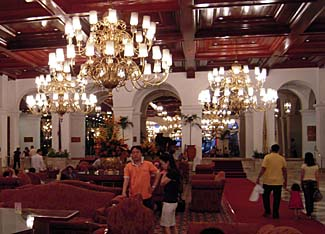 Old-world splendor in the Manila Hotel