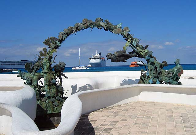 Scuba Divers' Monument in Cozumel, Mexico -- photo by Sheryl Shea of Aqua Safari Cozumel